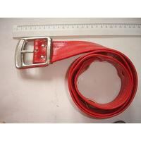 Ремень женский красный кожзам с большой прягой 70-е гг СССР ширина 5 см, дл. 115 см