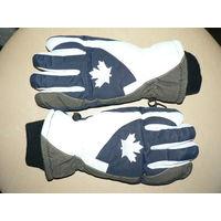 Огромная скидка ! Фирменные  высококачественные перчатки.Очень Теплые,не промокают. Произведены в Германии