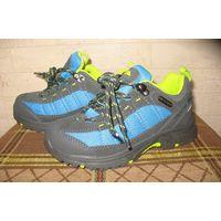 Водонепроницаемые мембранные кроссовки Regatta Hamley-Kids walking boot, длина по стельке 18 см (UK10 EU28) Прогулочные десткие кроссовки, водонепроницаемые и дышащие. Материал верха - комбинация кожи