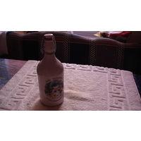 Бутылка Немецкая с  пробкой. снеговик на картинке. распродажа