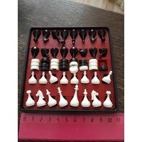 Шахматы и шашки магнитные дорожные