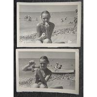 Девочка, виноград и море. 2 фото 1960-х.