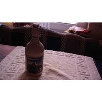 Бутылка Немецкая с пробкой. с замком на картинке. распродажа