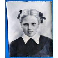Фотопортрет девушки. 1930-е? 24х29.5 см