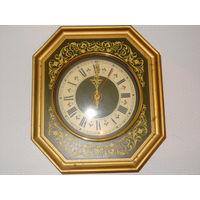Настенные часы Янтарь , Кварц , старт с рубля