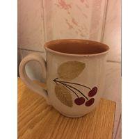 Чашка Кружка большая глиняная с вишенкой 80-е гг