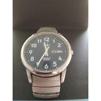 Винтажные женские классические наручные часы Timex (USA) металлический браслет