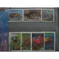 Марки - фауна Танзания 1994 крабы жители моря блок и 7 марок