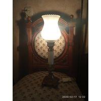 Старинная настольная лампа. Франция.
