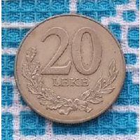 Албания 20 лек 2000 года. Корабль и дельфин. Миллениум.