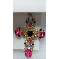 Большой крест с розовыми камушками.  распродажа