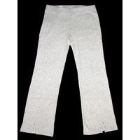 Модные спортивные штаны с небольшими стразами на девочку 8-9 лет, абсолютно новые, пр-во Шри-Ланка, фабричный фирменный оригинал, очень мягкий трикотаж, 100% хлопок, отличное качество, не деформируютс