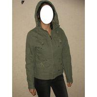 Куртка осенняя утепленная цвета хаки, р.44-46, Alfa.  Материал - снаружи 100% хлопок, подкладка 65% пэ, 35% хлопок Капюшон отстегивается, по периметру стягивается шнурков. Карманы: 2 нагрудных,