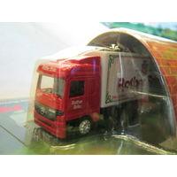 Модель грузового автомобиля (китай) 33. Масштаб НО-1:87.