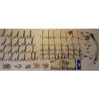 Крючки-тройники, поводки, крабины и вертлюжки,одним лотом