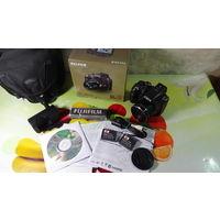 Фотоаппарат Fujifilm FinePix SL300 (Ультра Зум)