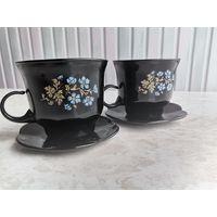 Две стеклянные чашки