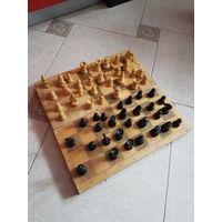 Шахматы деревянные + доска. Дешево! Больше целого набора - есть запасные фигурки. Цена мизерная. За все всего лишь 25 руб. Могу выслать почтой.