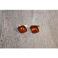 Янтарные, позолоченные запонки, времён СССР, клеймо 7ЯК, без сколов.