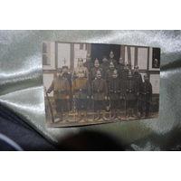 Общая фотография военных в форме: период первой Мировой войны, - подписанный оборот, хороший сохран-!