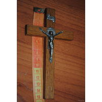 Католический крест/крестик из дерева на стену, - размер 15 см., - (б.у.) - культовая вещь-!