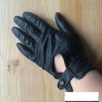 Ассорти перчаток и митенок женских.