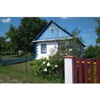 Дом в живописном месте, гараж, сад, хоз. постройки. Кореличи