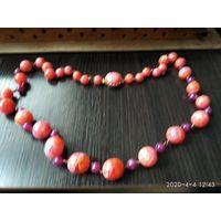 Женские бусы из розового и вишнёвого бакелита ЧССР