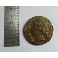 Старая вещица из бронзы, реплика декадрахмы Сиракуз... для сувенира слишком старая...может медаль, может жетон... аукцион с рубля...