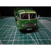 """Продам Simca Cargo """"L'air Liquide"""", журнальная  серия Camions DAutrefois номер 57, green производитель IXO"""