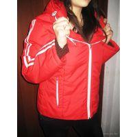 Спортивная-красненькая курточка  р.46-48