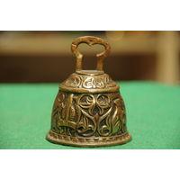 Колокольчик бронзовый  ( высота 7,5 см , диаметр 6 см )
