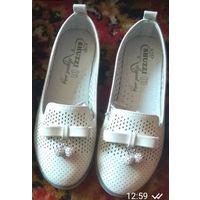 Туфли новые для девочки 33 размер
