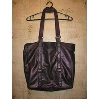 Фирменная сумка Telly Weijl, размер 41 на 45 см. Очень вместительная и классная. Все видно на фото, бу, кое где есть потертости, в общем отличная сумка