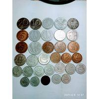 33 монеты Польши разных времён с рубля .