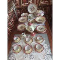 Очень красивый чайный сервиз, также столовый,Мадонна,перламутр желтоватый, из ГДР ,выпуск 1960--1970г,,FORTUNA,EISENBERG. Совершенно новый. 45 предметов