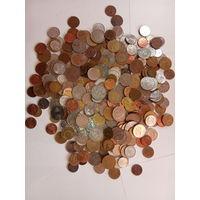1 кг монет разных стран  - 3