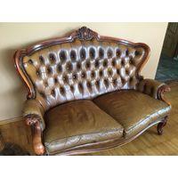 Двух местный диван честерфидьд в стиле барокко