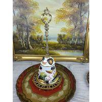 Колокольчик настольный Фарфор лепка роспись золочение металл золотого тона ручная работа Capodimonte Италия АРТ 0720-15