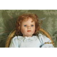 Кукла в голубом  коллекционная фарфор 44 см  Georgetown Collection MCMXCVI год