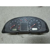 104582C Volkswagen Passat B5 щиток приборов 3B0919910p