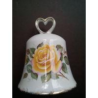 Колокольчик фарфоровый с желтой розой. Англия