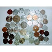 46 монет Азии с рубля .