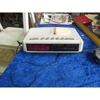 Радиочасы Eletkta ECR-880NL, Япония.