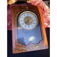 Часы настенные ( Лот с рубля )