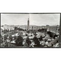 Минск. Фото площади Победы в день визита Фиделя Кастро. 5 июля 1972 г. 11х19 см.