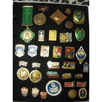 Значки, посвященные Полоцку и Новополоцку, которых нет в коллекции (то, чего нет на фото)