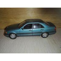 Mercedes Benz .Minichamps 1/43.