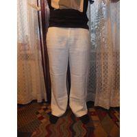 Классные, стильные, дорогие мужские брюки на 52-54 размер из качественного натурального льна. Фирменные брючки Tatuum прекрасно украсят фигуру 52-54 размера. размер указан 35/36. для этой фирмы и учит