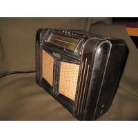 Радиоприёмник батарейный Новь 1956 г.в.